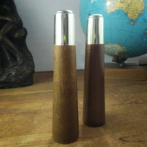 Mid Century Mod Salt and pepper shakers
